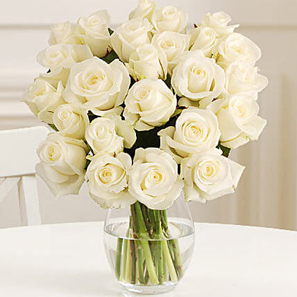 24 Fairtrade White Roses: Flower Delivery in UK