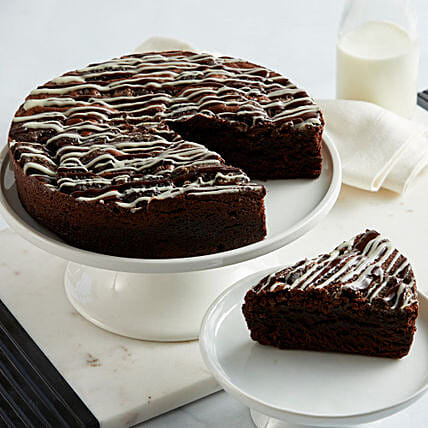 Cookies and Cream Brownie Cake: Best Selling Cakes in USA