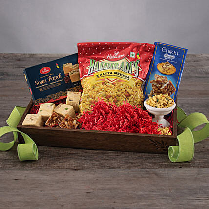 The Sweet N Salty Snack Tray: Send Gift Baskets to USA