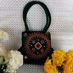 Online Handbags in Canada