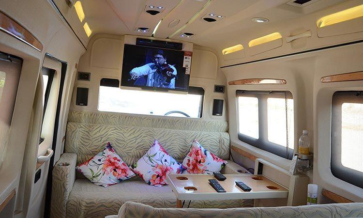 Romantic Caravan Ride & Date