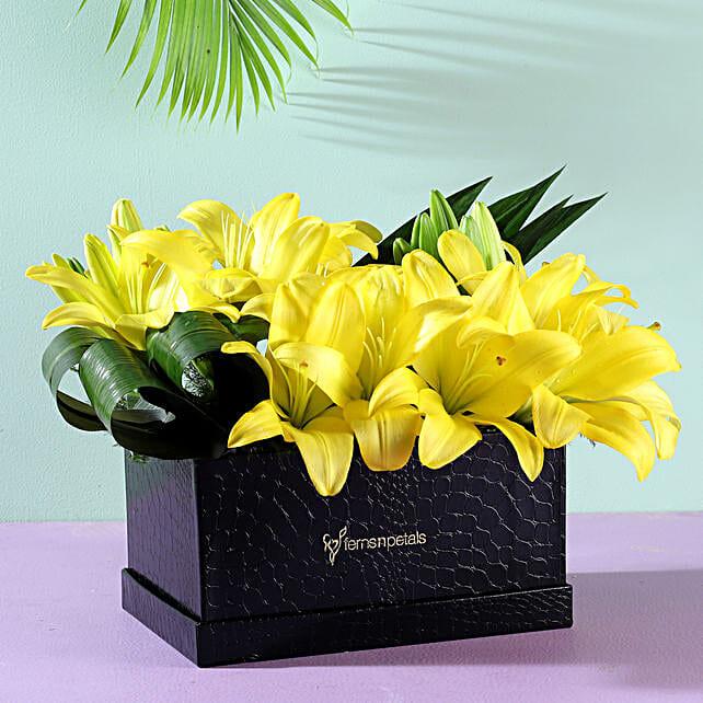 flower arrangement box for her