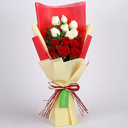 Red and White Roses Bouquet Combo Online
