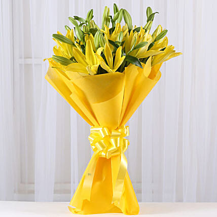 Bunch of 8 yellow asiatic lilies flowers gifts