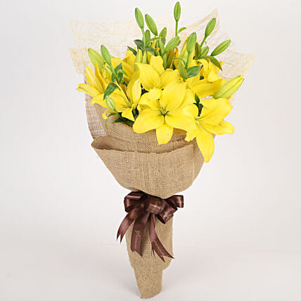 Lovely Lilies Bouquet Online
