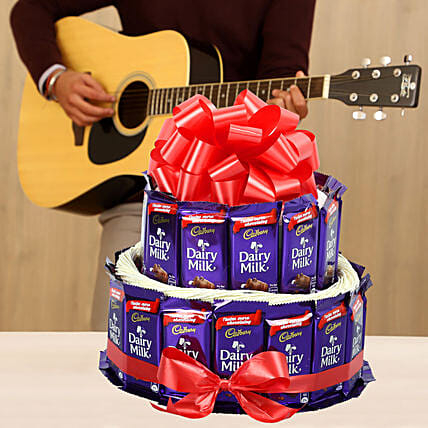 chocolate tower with guitarist experience