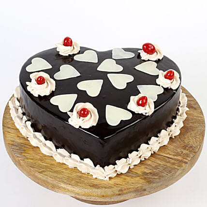 Heart shape cake for him