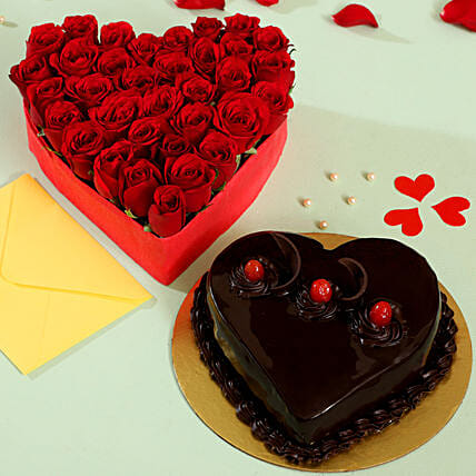 Red Roses and Cake Arrangement Online