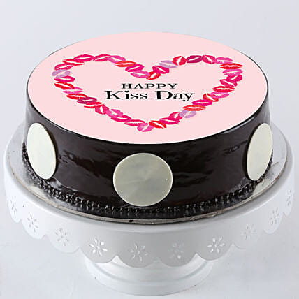 best photo cake for kiss day online for her