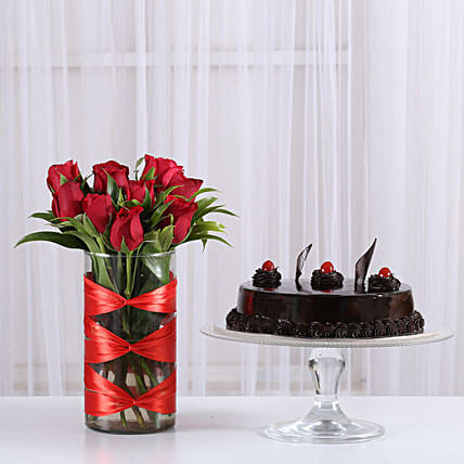 Sweet surprise with floral arrangement