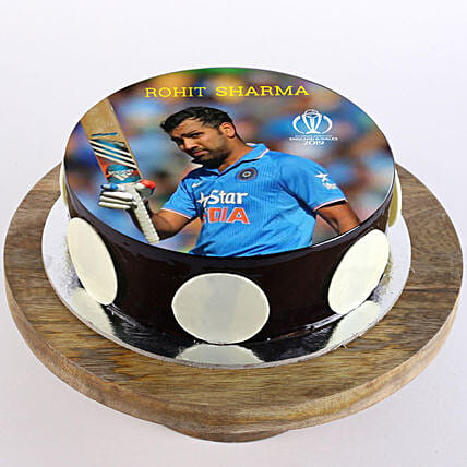 customised cake for cricket fan
