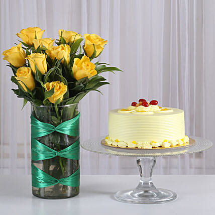 Roses in attractive Vase with butterscotch cake combo